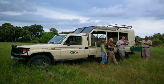8 Tage mobile Safari mit festen Unterkünften im Okavango Delta ..