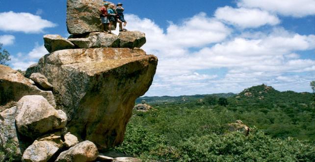 9 Tage Safari- Viktoriafälle, Hwange & Matopos Nationalpark ..